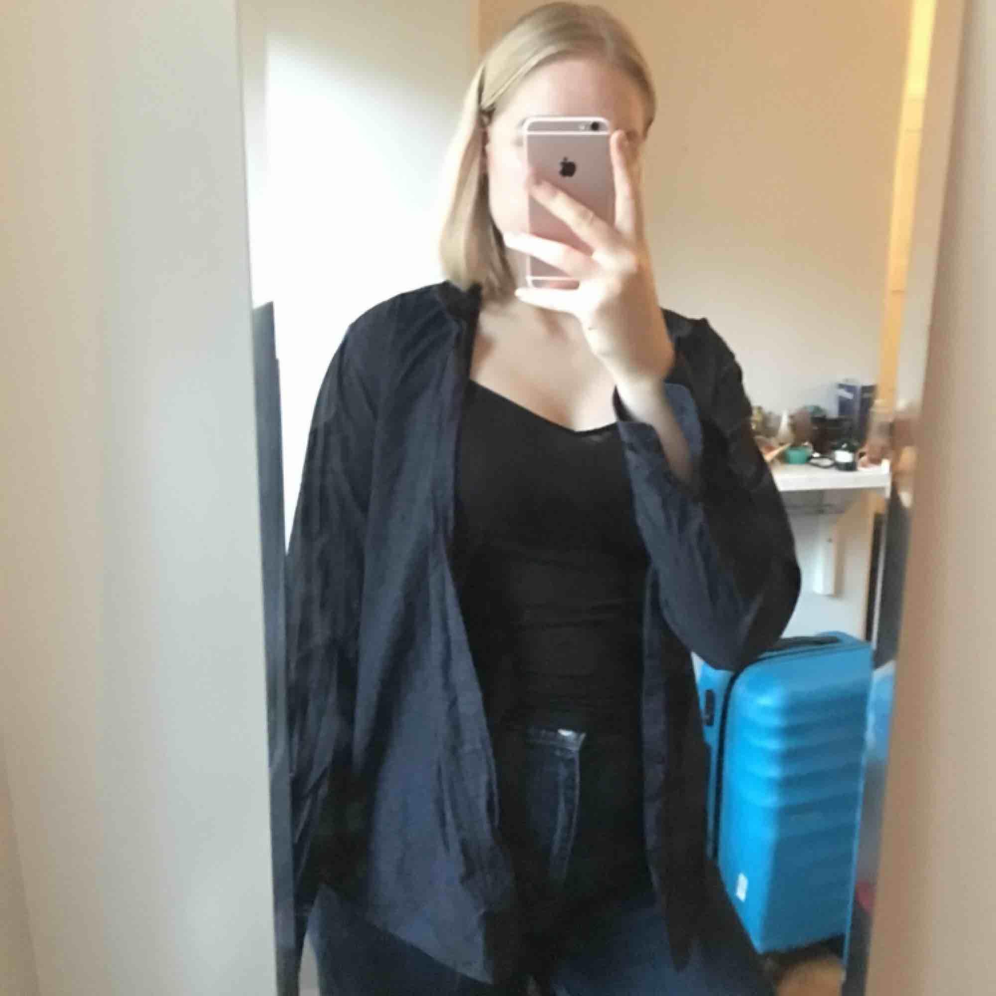 Snygg skjorta från H&M. Stl S. Skjortor.