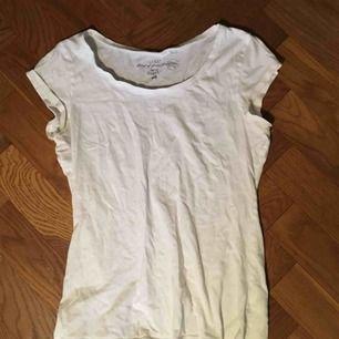 Vit t-shirt från hm