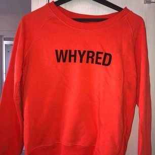 Sweatshirt från Whyred i storlek XS. Använd men i fint skick. En liten fläck. Ursprungspris : 800kr.  Kan mötas upp i centrala Göteborg eller på Hisingen! Köparen står annars för frakten (100kr).