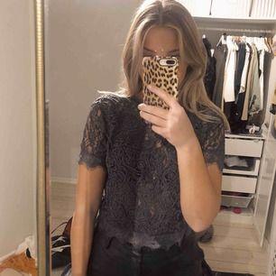 Säljer blus från Zara!