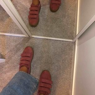 Jättefina rosa skor, strl 38, säljer pga att de ej kommer till användning