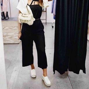 Skitsnygga vida byxor med fickor! Köpta på indiska😍 Fraktar för 50kr
