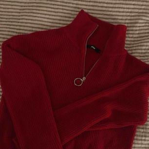 Ny oanvänd tröja från bikbok. Skitmysig och supersnygg. Frakt tillkommer💕