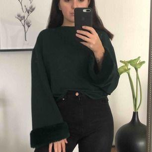 Grön tröja med vida armar från Zara! Dm vid intresse 🥰