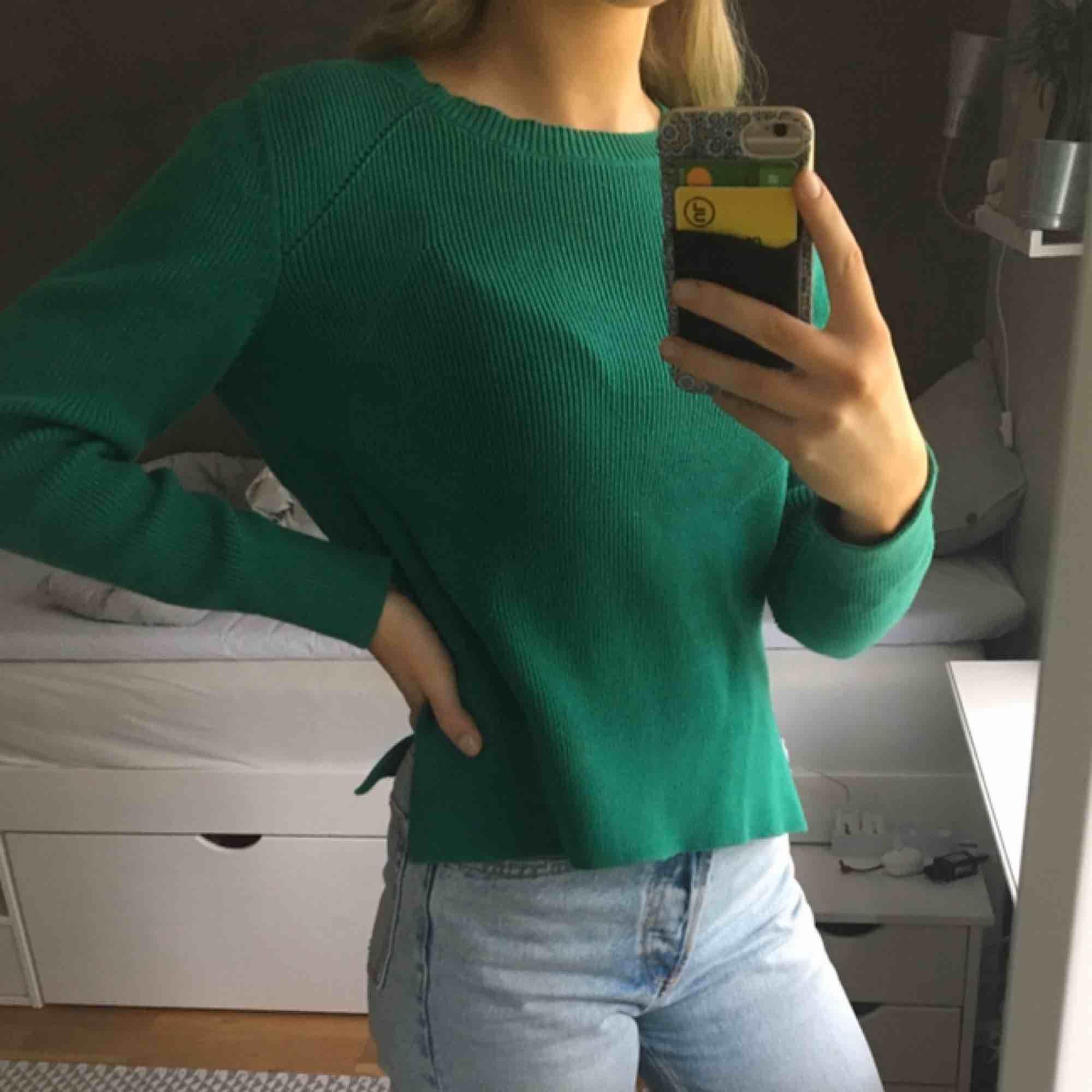 Stickad tröja från &otherstories i jättefin kvalitet! . Stickat.