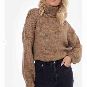 Supermysig stickad tröja från Chiquelle🤩 INTE ALLS STICKIG, köparen betalar frakt 75kr 💘