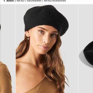Säljer denna helt OANVÄNDA svarta basker från NAKD! Köptes för 199 kr, frakt på 40 kr tillkommer vid köp🖤
