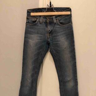 Nudie jeans i en rak modell!
