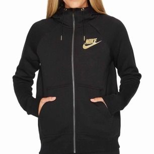 Superfin hoodie med dragkedja från Nike. Använd men i bra skick. Köpt för 800kr.