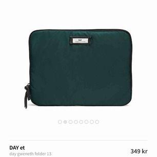 Grön datorfodral från day Birger et Mikkelsen. Använt sparsamt.❤️