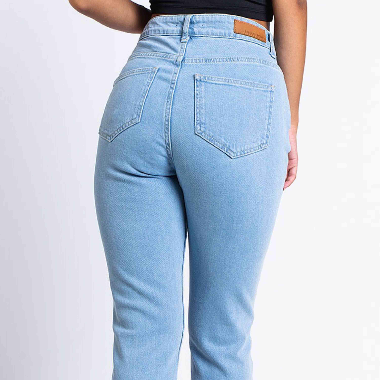 Jeans från madlady! Superfint skick! Nypriset var 599!. Jeans & Byxor.