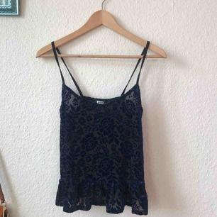 Gulligt litet linne från Bik Bok, aldrig använt! Frakt: 42kr
