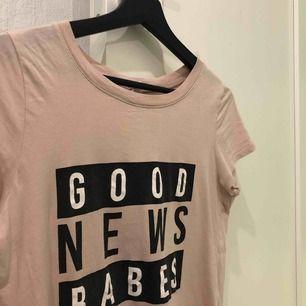 Säljer denna coola tröja ifrån Gina tricot💞💞bra skick.