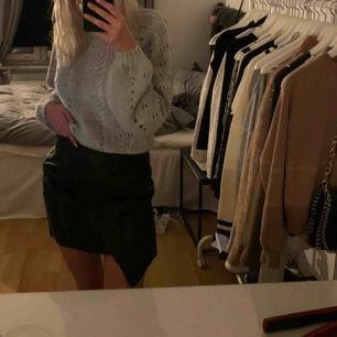 Kjol från Bubbleroom, aldrig använt pga för stor i midjan, köpare står för frakt!!