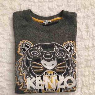 Snygg Kenzo tröja använd ett få tal gånger , är i god skick . ( Äkta såklart )
