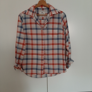 Skjorta från Lexington storlek XS. Knappt använd. Ord pris 795:-