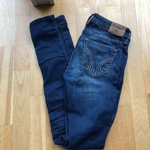 Riktigt snygga, sköna Hollister jeans, ser nya ut