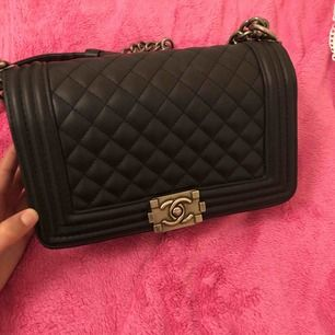 Jätte fin kopia av chanel boy bag