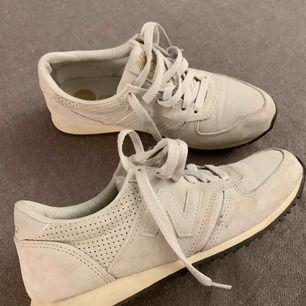 New balance sneakers i bra skick. Köparen står för frakt