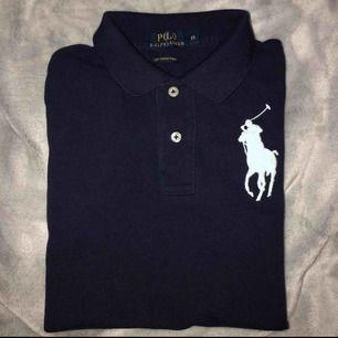 Polo Ralph Lauren piké  Säljs för 70:- pga ingen användning