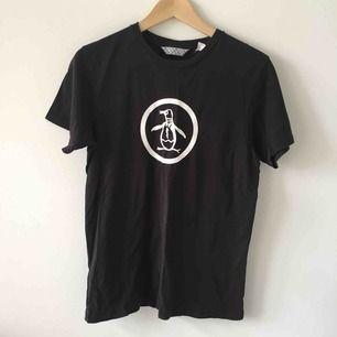 Penguin t-shirt! Storlek S herr!