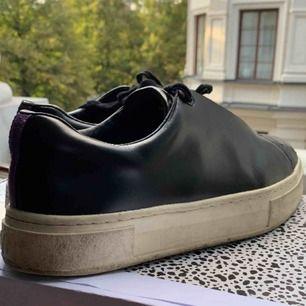 Eytys skor använda! Kommer med box samt extra skosnören. Tvättas och rengörs innan frakt.