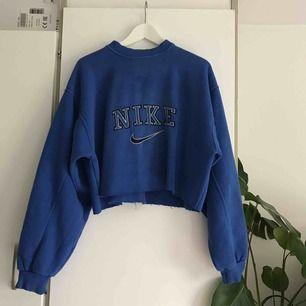 Croppad oversize tröcktröja från Nike. Frakt ingår!✨