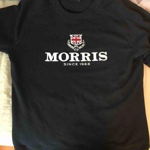 En Morris tröja. Storlek M men passar också en L. Använd 2 gånger. Kan gå ner i ork vid snabb affär.