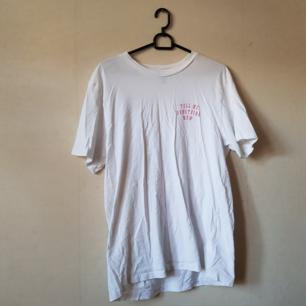 T-shirt från HM. Använd x antal gånger. Frakt ingår i priset