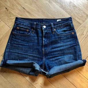 Levis wedgie shorts
