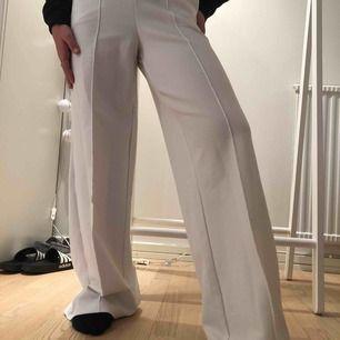 Jättesköna och snygga byxor från Gina