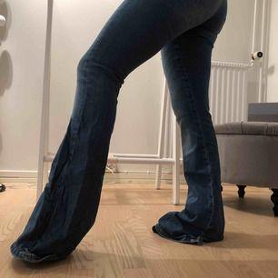 Bootcut jeans från zara , älskar dom men tyvärr för långa för mig som är 155 :(
