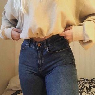 Suuper snygga bootcut jeans från Dr. Denim i storlek S. Super stretchiga, highwaist och sitter som en smäck. Säljer pga. Jag har ett par nästan likadana ☺️✨
