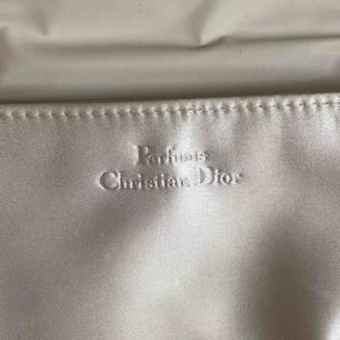 Äkta vintage Christian Dior necessär.