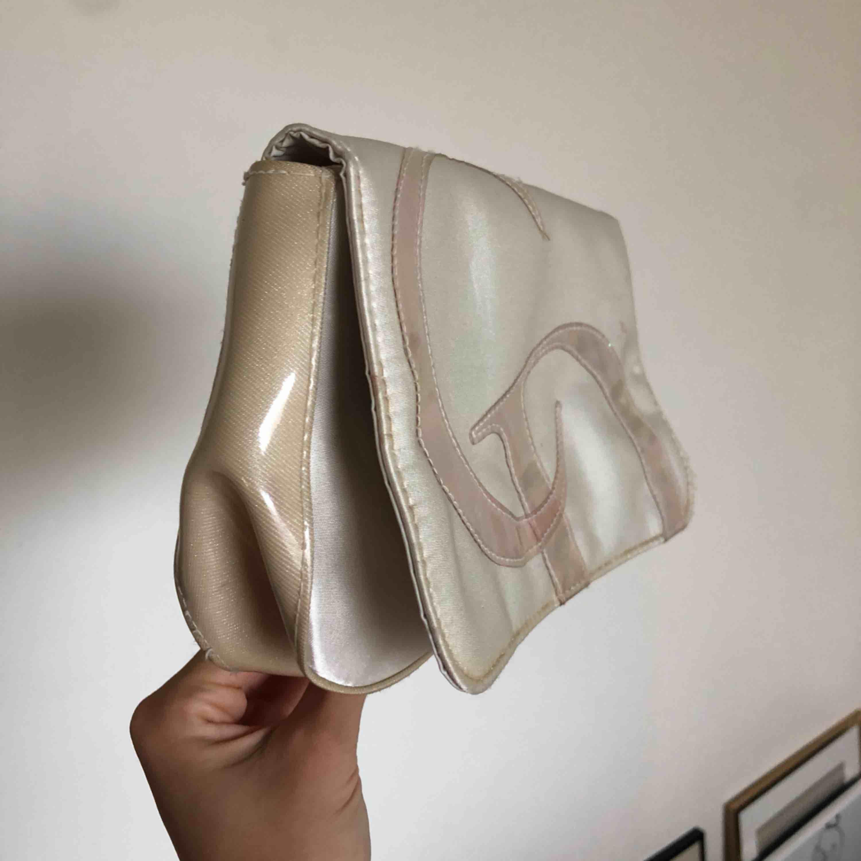 Äkta vintage Christian Dior necessär. . Väskor.