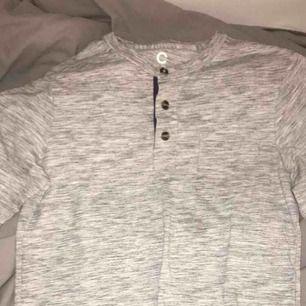 En pyamas tröja från Cubus i bra skick. Köparen står för frakt.