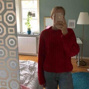 Stickad fin tröja från monki. Köpt för 300 säljer för 150. Kan mötas i Sthlm eller så tillkommer frakt
