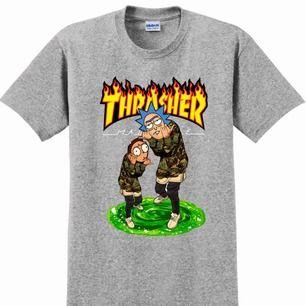 Rick and Morty x Thrasher t-shirt (inte äkta thrasher). Knappt använd! Många intresserade så det går att buda! Just nu ligger priset på 60 kr + frakt (: