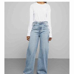 Superfina weekday jeans i modellen ace! Snygga till allt möjligt ❣️