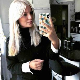 Stickad svart tröja från HM, sparsamt använd, frakt tillkommer!