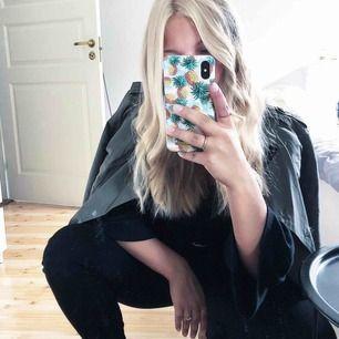 Mobilskal till iPhone X från ideal of Sweden, frakt tillkommer!
