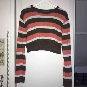 Skitfin retro tröja från Beyond Retro. Älskar verkligen denna, men det är inte riktigt min stil längre !!