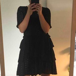 Svart hålig klänning, med ganska bra skick.