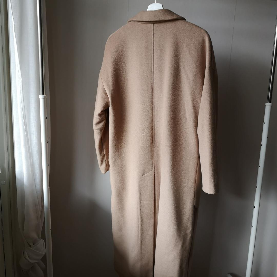 Super fin kappa från WERA, tyvärr en storlek för stor för mig själv.   50% Ull 32% Polyester 18% Viskos. Jackor.