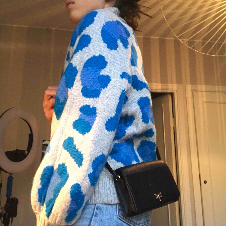 Super snygg väska från h&m😍helt ny!!. Väskor.