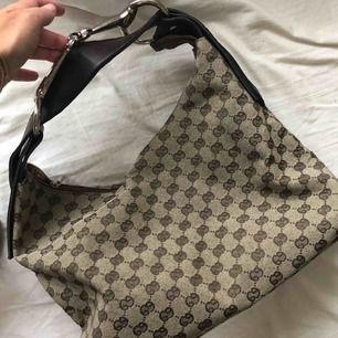 Fake Gucci väska inköpt på Humana. Superbra skick.