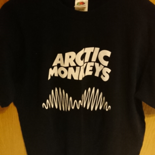 Arctic Monkeys t-shirt, barely used. Not official merchandise. 100% cotton
