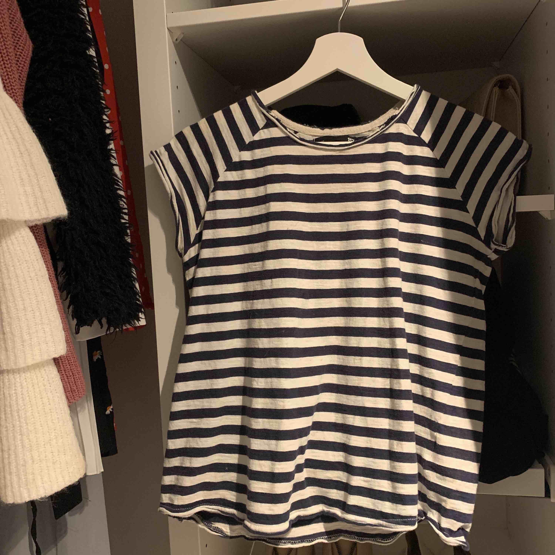 Randig T-shirt från lager 157, köpt för något år sen och inte använt på väldigt länge. T-shirts.