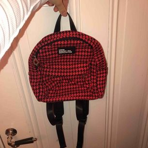 Jättefin miniryggsäck från ett italienskt märke som jag köpte i Sicilien förra året.
