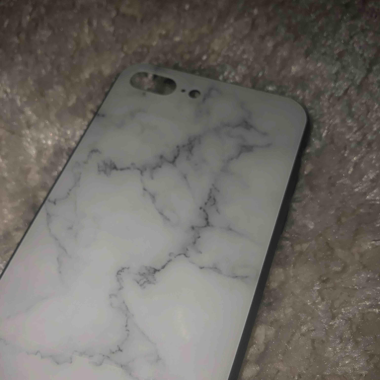 Ett marmorskal för IPhone 8/7 plus.. Övrigt.